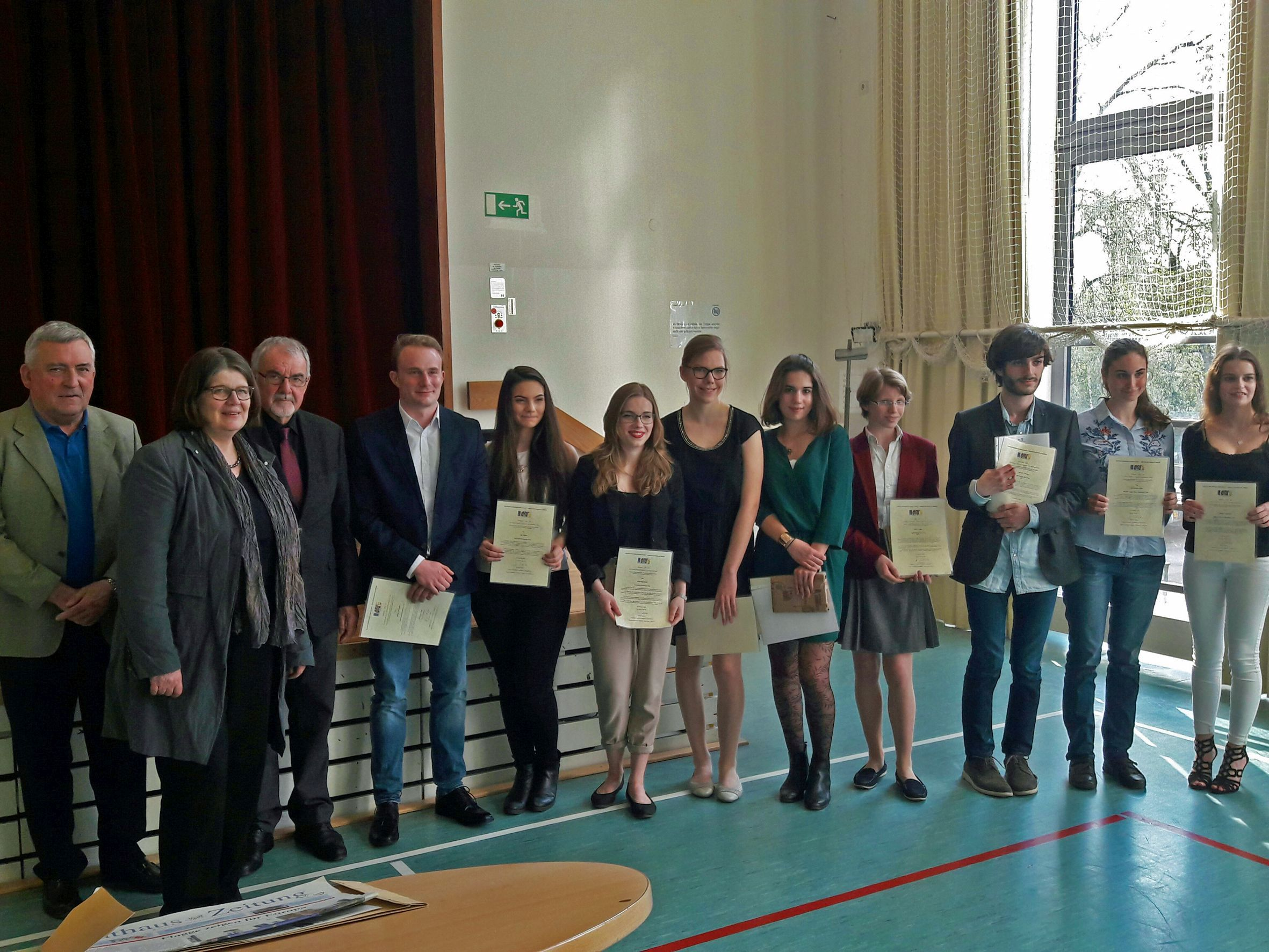 Ehrung des besten Abiturs in Französisch | Humboldt - Gymnasium Trier